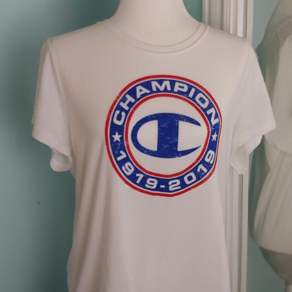 5/$20.🌟Champion t-shirt